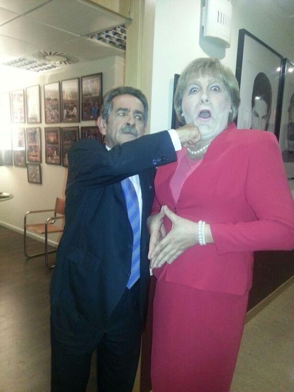 Miguel Ángel Revilla noqueando a Ángela Merkel